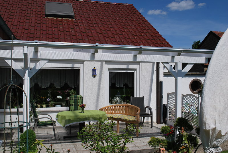 Terrassenüberdachung aus Leimholz
